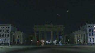 شاهد: المعالم السياحية والأثرية في برلين وموسكو تطفئ أضواءها في ساعة الأرض…