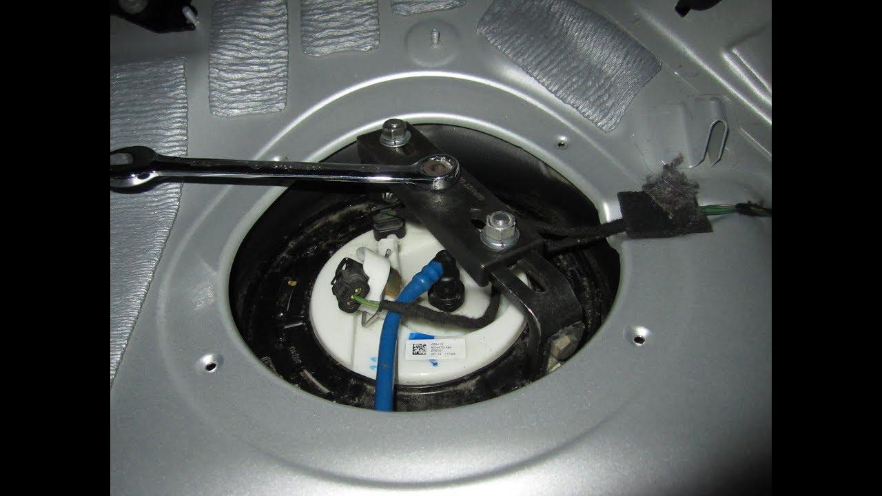 how to remove fuel pump 2011 mercedes benz glk class. Black Bedroom Furniture Sets. Home Design Ideas
