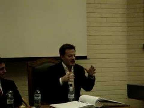 Eddie Izzard at UCD (Clothes Question)