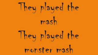 Monster Mash---Bobby Pickett---W/Lyrics!!