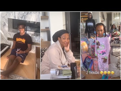 LeBron & his family open their Christmas presents