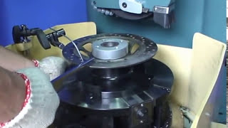 BRAKE DISC GRINDING MACHINE