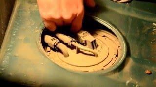 видео Замена сетки бензонасоса на лада калина, приора , гранта