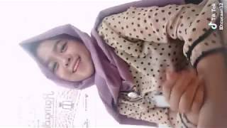 Video jilbab goyang hot di tik tok [full] download MP3, 3GP, MP4, WEBM, AVI, FLV Oktober 2018