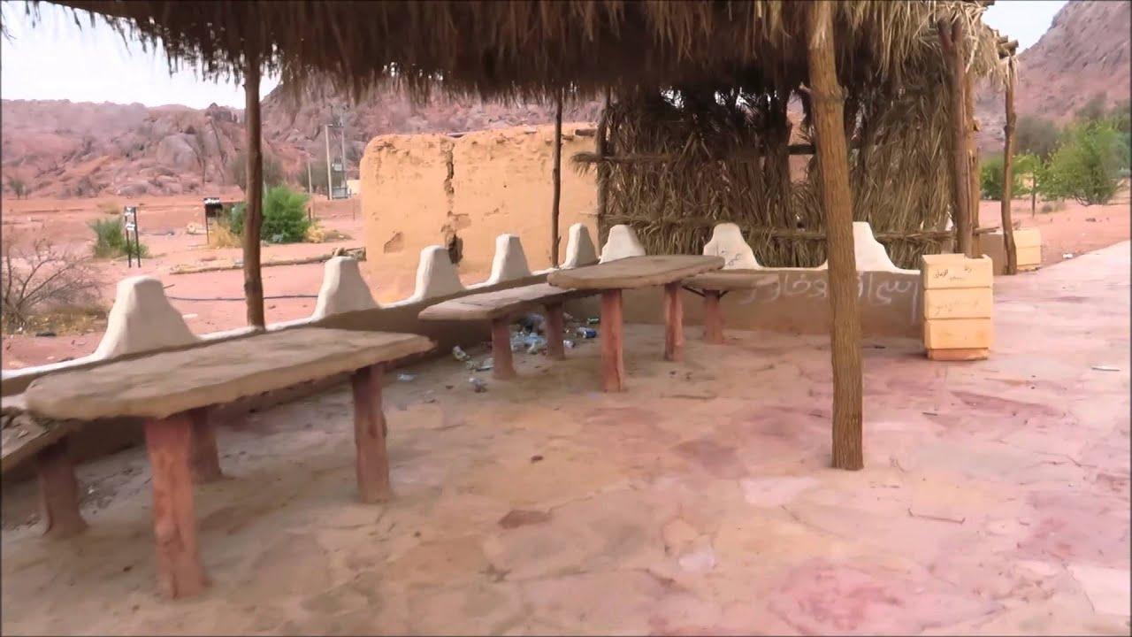 القصر والقبر المنسوب لـ حاتم الطائي في توارن بـ حائل 14 12 1436 Youtube