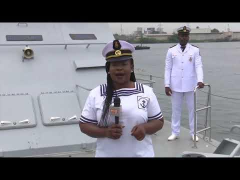 AN 59 : Le défilé nautique de la Marine nationale