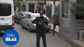 Police arrive at Saudi consul