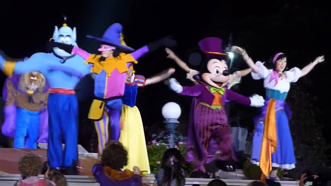 "mickey's ""not-so-scary"" halloween party (disneyland paris 2010"