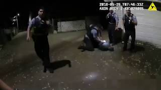 Police USA (18+) Police Shoot Suspect After He Points Gun At Officers