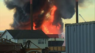 Raw: Barge Fire Sends Smoke Plume Over Seattle