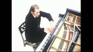 Anton Webern: Variations, Op 27 (1936) Glenn Gould, piano