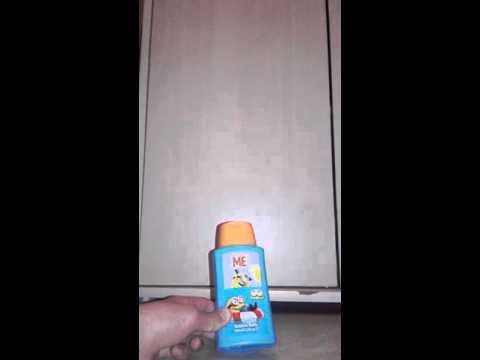 COFFRET : minion gel moussant et pistolet à eau.