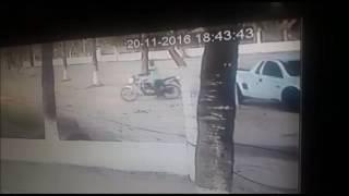 Câmeras flagram ex reeducando matando agente penitenciário em bar