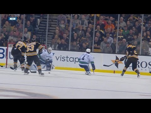 10/19/17 Condensed Game: Canucks @ Bruins