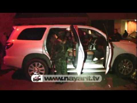 Militares Disparan Contra Lujosa Camioneta Blindada Youtube