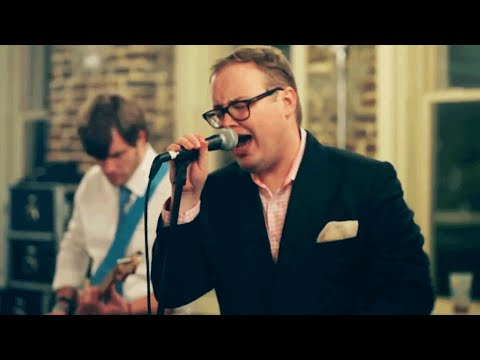 """St. Paul & The Broken Bones Perform """"Don't Mean a Thing"""" 