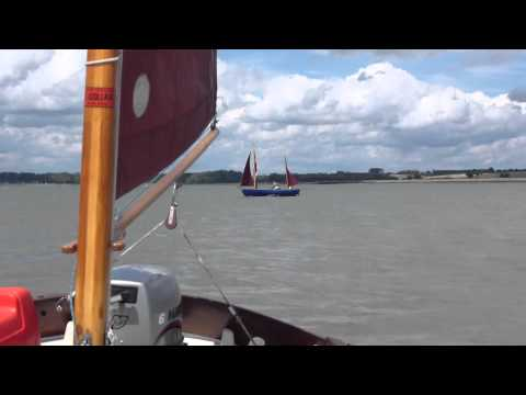Lugger Avocet advancing