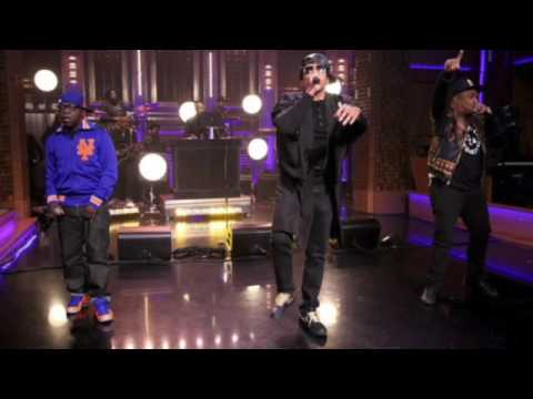 A Tribe Called Quest and The Roots - Tonight Show Cypher