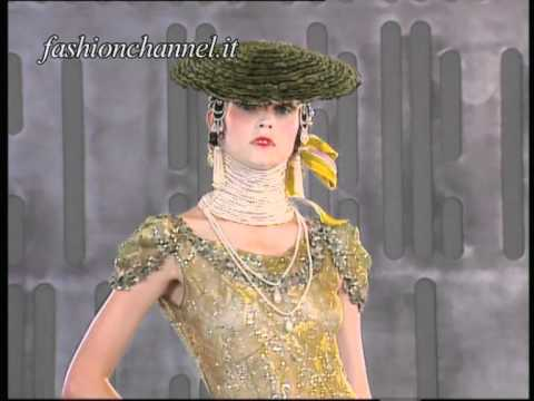 """JOHN GALLIANO"" one of the first defilè for Maison ""DIOR"" at Versailles Haute Couture 1999 2000"