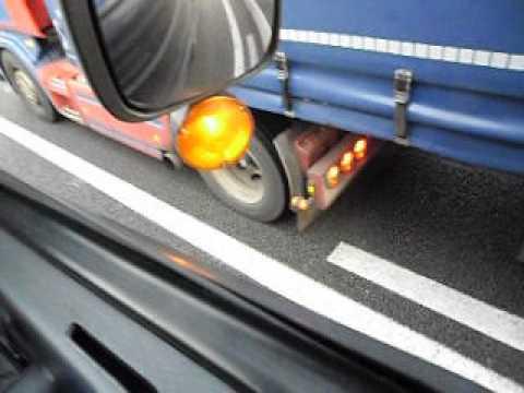 hat transport: file voor de weg naar Rotterdam
