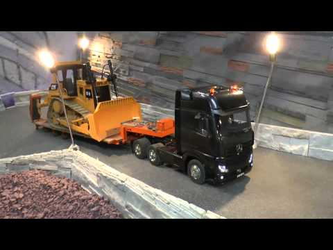 HEAVY RC ACTION! BIG RC TRANSPORT and the   L250G NEW HIDRAULIC AN ENGINE