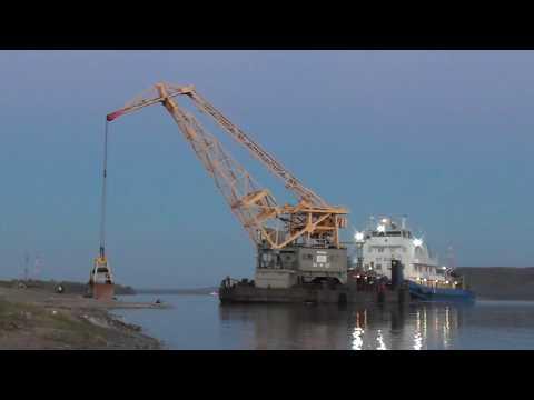 видео: Буксир -толкач ОТ 2022. Плавучий кран СК 3. Звенигово 2018