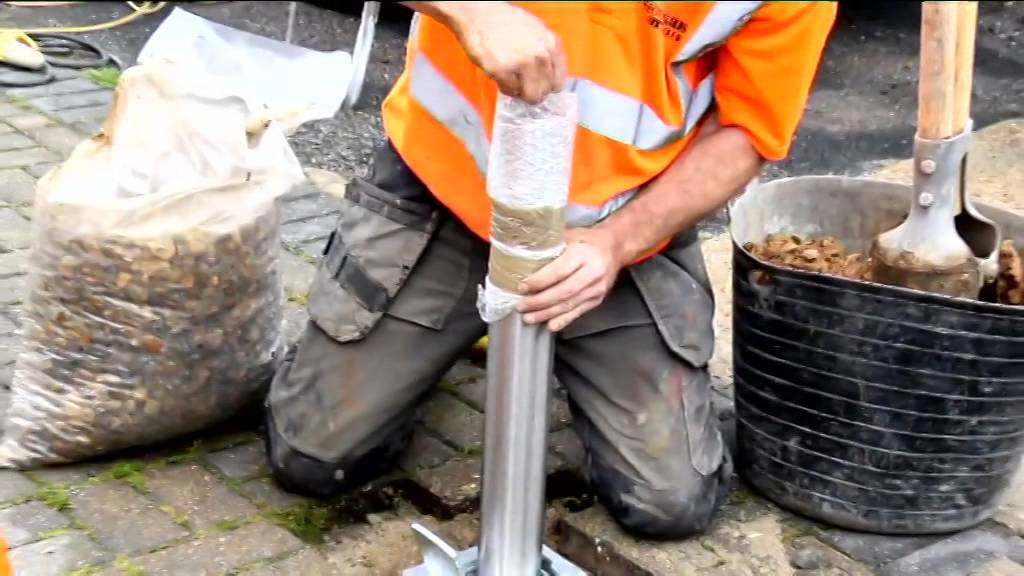 How To Install A Telescopic Security Post Onto A Block