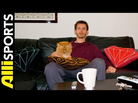 Chris Roberts' House Tour with Garvey the Cat, Alli Sports Picture This