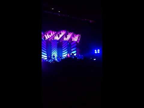 Adam Lambert Live in Singapore - Whataya Want From Me