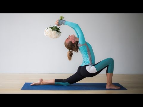 The best yoga moves for your wedding day jitters
