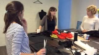 Прозрачный намёк: пошив комплекта нижнего белья. Мастер: Алёна Симонова(Мастер-класс по пошиву женского нижнего белья из атласа и гипюра., 2016-04-10T06:59:39.000Z)