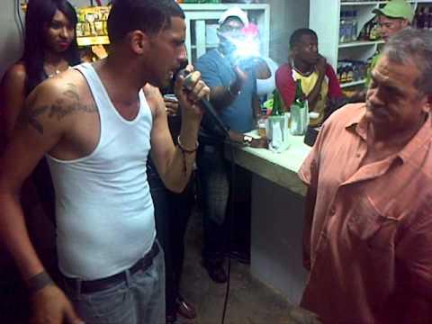 TEMBLEKE  VS CUBA  EL VIEJO  BATALLA FREE STYLE  EN KARAOKE LOS CERROS