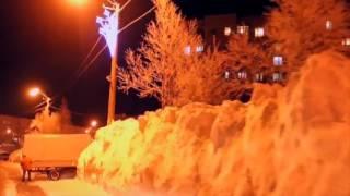 Высота сугробов в Кировске достигла трех метров