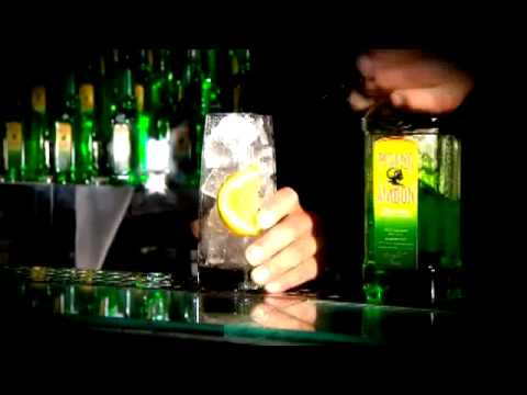 The original pisang ambon cinnamon diablo cocktail youtube for Cocktail pisang