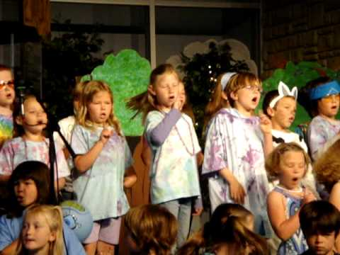 the laureate school sings the beatles' yellow submarine (finale)