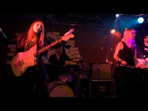 "Larkin Poe - ""Full Concert"" 31.07.2015 Hamburg Monkeys Music Club"