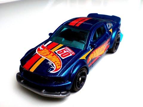 2005 Ford Mustang Hot Wheels diecast car model