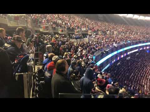 Gillette Stadium crowd sings Bon Jovi during Patriots/Jaguars AFC Championship game