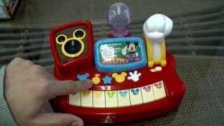 ミッキーマウスのおもちゃです。夢中でドレミキーボードのおもちゃの説...