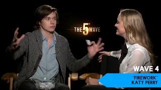 Maika Monroe & The 5th Wave cast - Lose Da Lyrics game- Just Jared