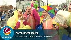 Schoduvel in Braunschweig: Jecken feiern trotz Dauerregen und Wind
