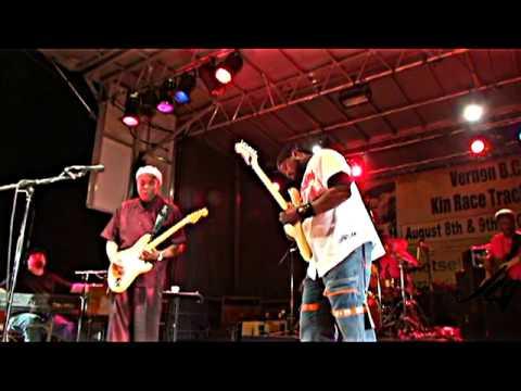 Buddy Guy and Ric Jaz Live - Guitar Battle!