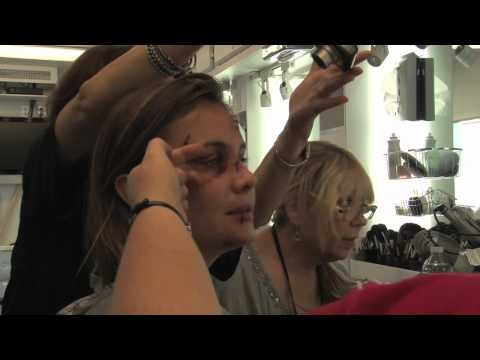 Leah Pipes getting made up for her appearance in the Law & Order Los Angeles episode Hollywood
