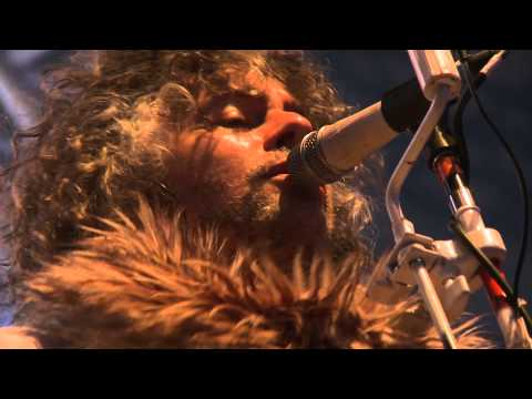 The Flaming Lips - Yoshimi Battles the Pink Robots Pt 1 - live at Eden Sessions 2011