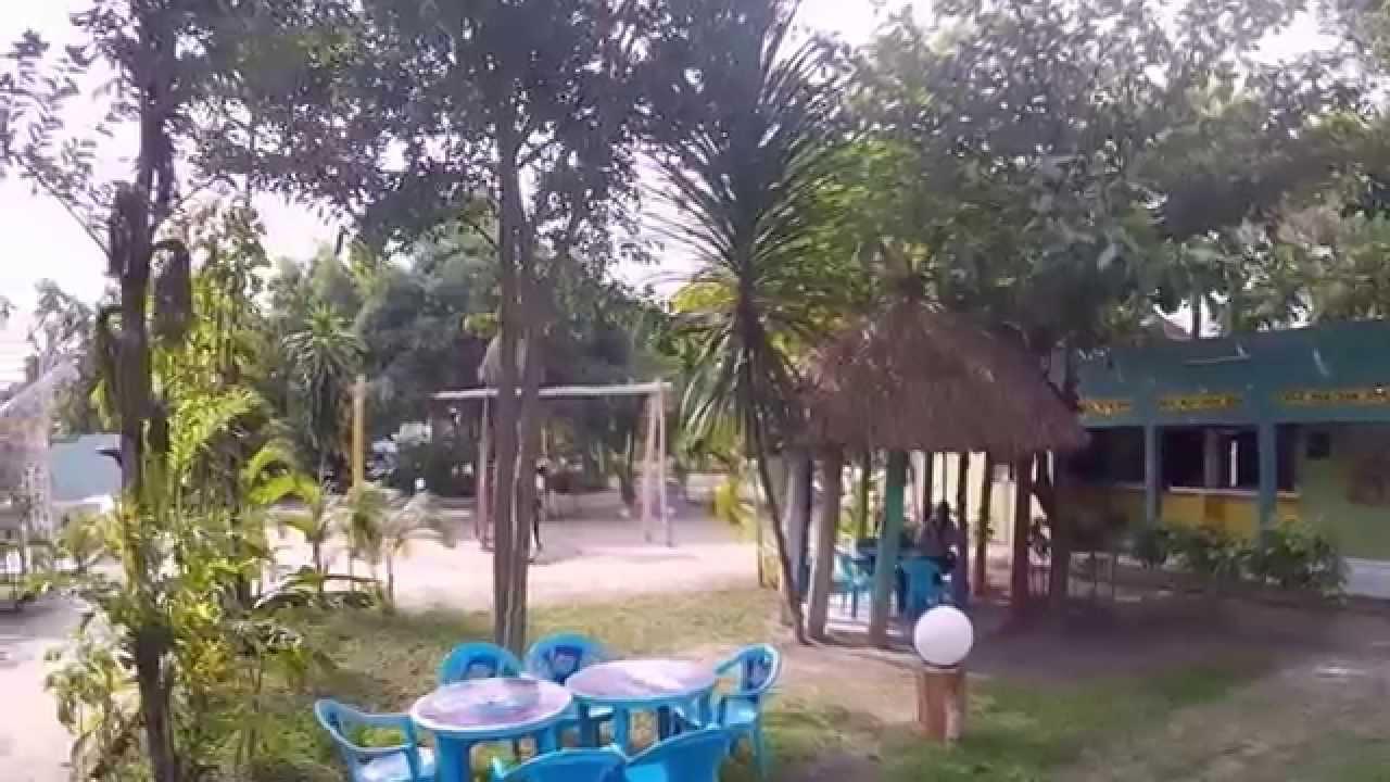 Jardin d 39 eden youtube for Jardin zoologique kinshasa