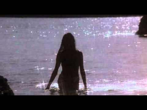Fabiana Udenio in Hardbodies bikini