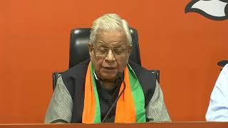 Former Congress leader from Uttar Pradesh, Dr Ammar Rizvi joins BJP at BJP HQ.
