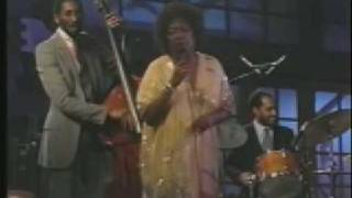 Watch Sarah Vaughan round Midnight video