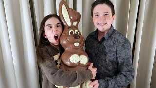 THE WORLD'S LARGEST CHOCOLATE EASTER BUNNY?!