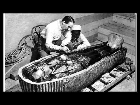 26th November 1922: Tutankhamun's tomb entered by Howard ...